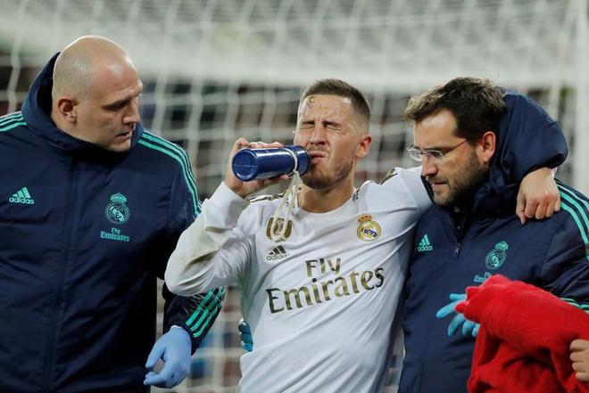 Hazard successfully undergoes surgery in Dallas - Bóng Đá