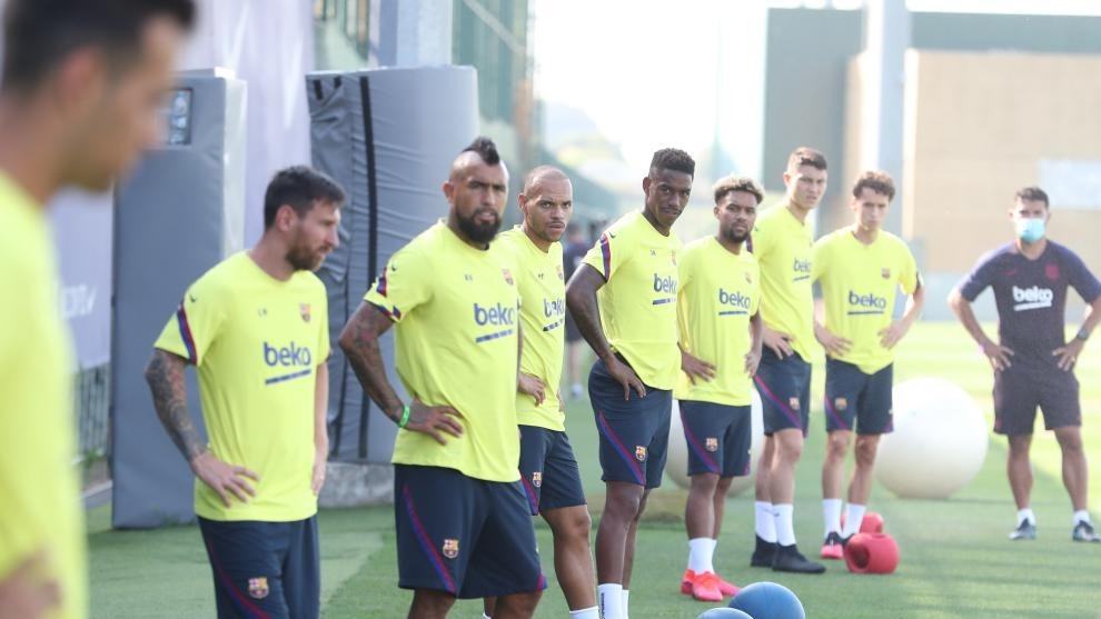 Setien uses five players from Barcelona B in Wednesday's training session - Bóng Đá