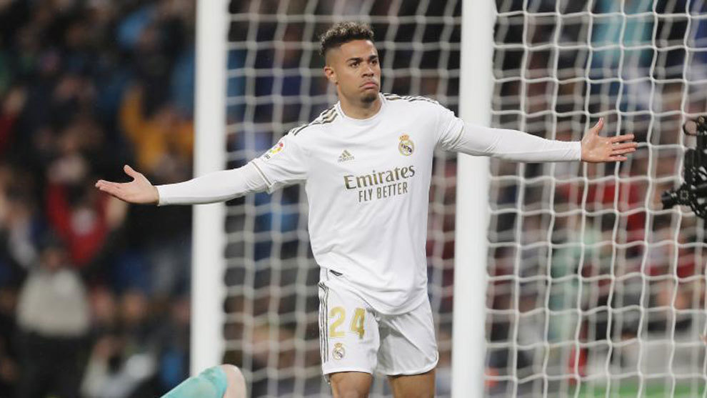 Benfica and Real Madrid agree loan deal for Mariano... without the player's consent - Bóng Đá