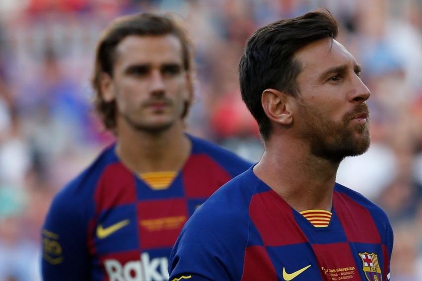 Barca fan surround Grizi car and demand respect for Messi - Bóng Đá