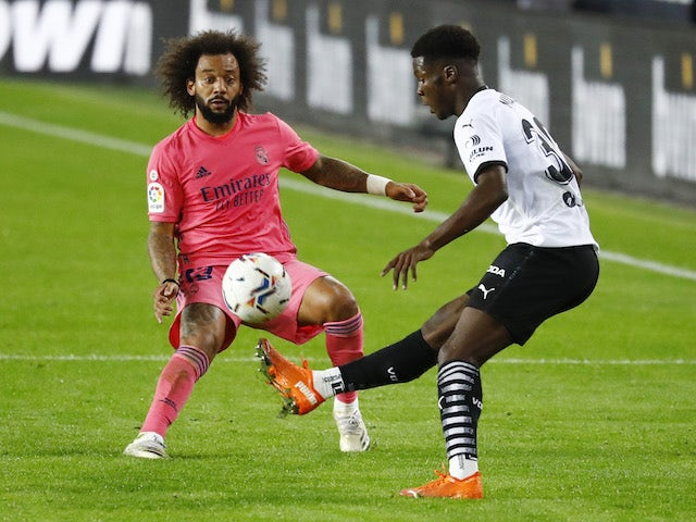 Arsenal 'keeping a close eye on Valencia midfielder Yunus Musah' - Bóng Đá