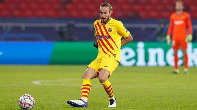Oscar Mingueza convincing Barca not to sign a centre back in Jan - Bóng Đá