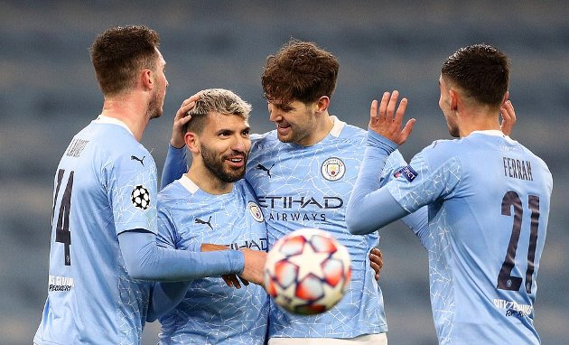 Pep Guardiola rules Sergio Aguero out of Man City starting lineup for Manchester United match - Bóng Đá