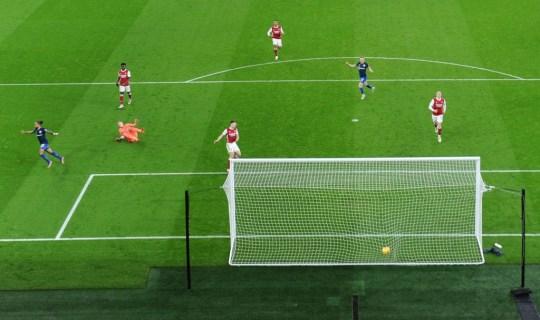 Mikel Arteta responds to Theo Walcott saying he 'felt a lot of fear' in Arsenal during Southampton draw   - Bóng Đá
