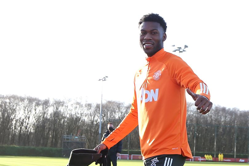 Timothy Fosu-Mensah stance on Manchester United future following contract offer - Bóng Đá