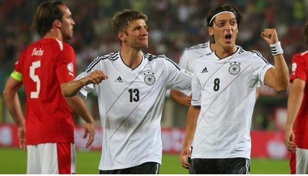 Vì sao Mesut Ozil được mệnh danh là vua kiến tạo - Bóng Đá