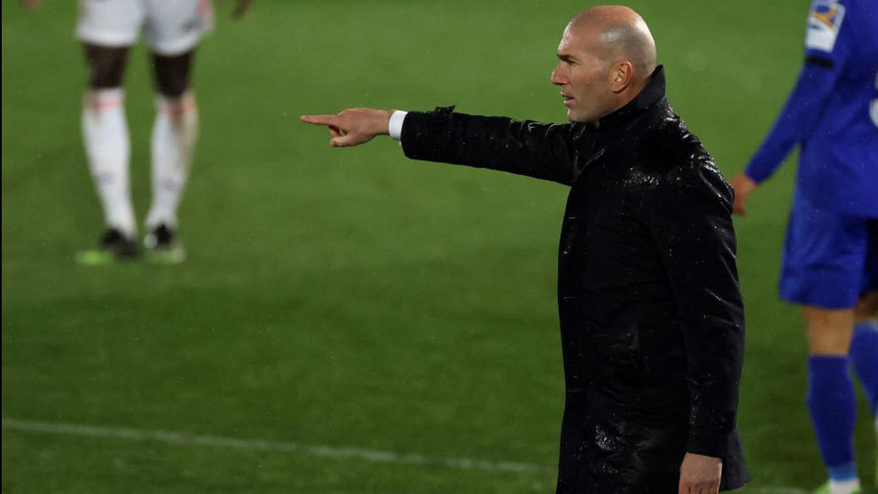 Zidane: Real Madrid won't risk Benzema, if he's not ready he won't play against Atalanta - Bóng Đá