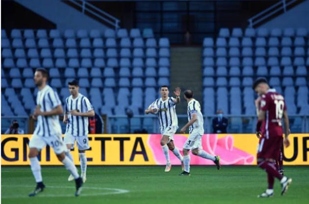 Ronaldo bất lực, Juve xa rời giấc mơ vô địch - Bóng Đá