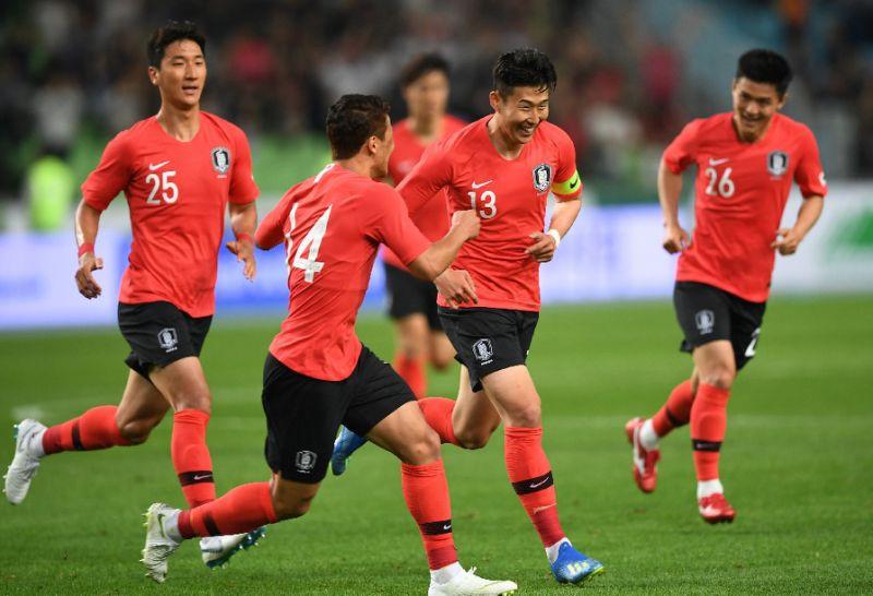 Nc247info tổng hợp: Hàn Quốc vươn lên dẫn đầu bảng H