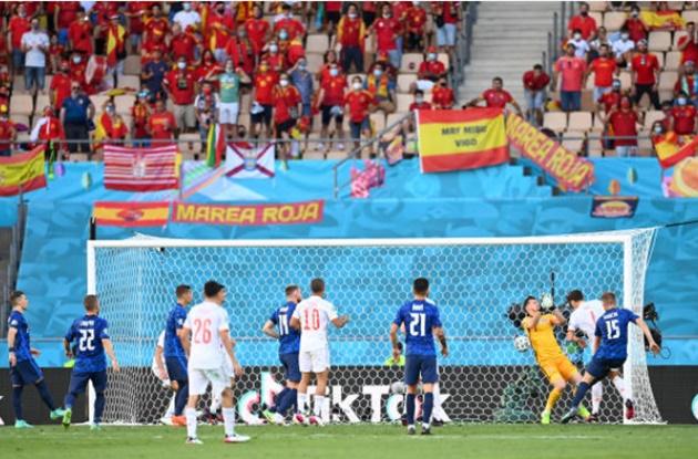 TRỰC TIẾP Slovakia 0-5 Tây Ban Nha (H2): Pau Torres đánh đầu dũng mãnh - Bóng Đá