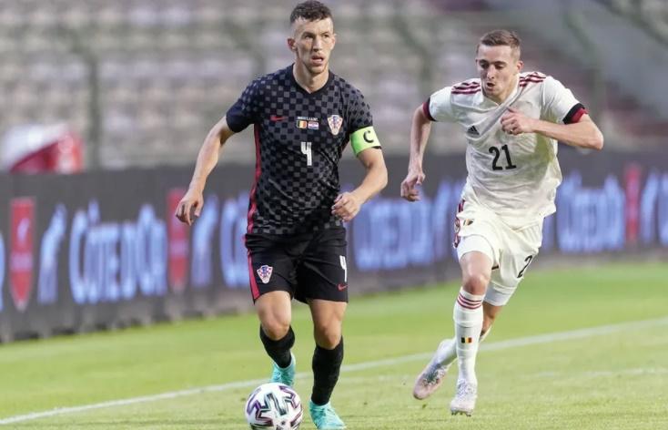 ĐHTB EURO 2020 dựa trên điểm trung bình: - Bóng Đá