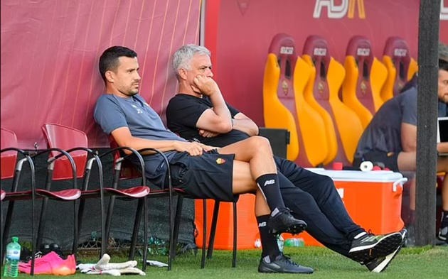 Jose Mourinho gets Roma tenure off to a flying start as Serie A side smash TEN past local minnows - Bóng Đá