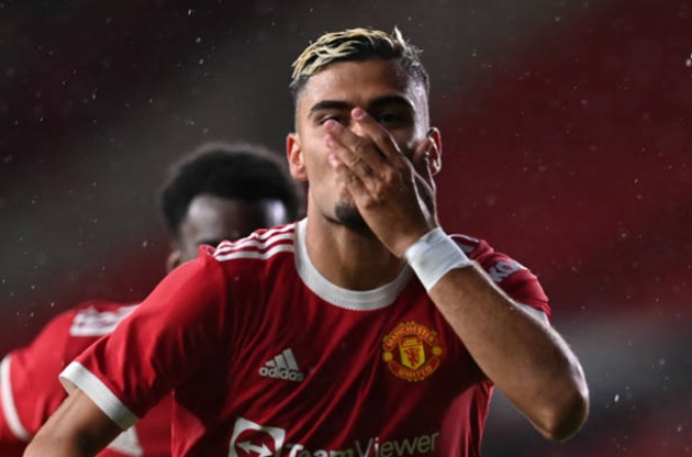 'Pre-season Pirlo!' - Manchester United fans go wild for Andreas Pereira screamer - Bóng Đá