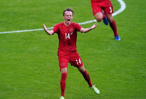 Reds plotting 'decisive assault' for Damsgaard - Bóng Đá