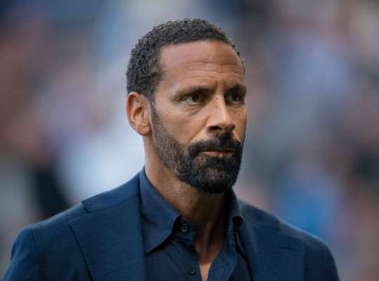 Rio Ferdinand claims Manchester United and Manchester City are 'worried' about Chelsea - Bóng Đá