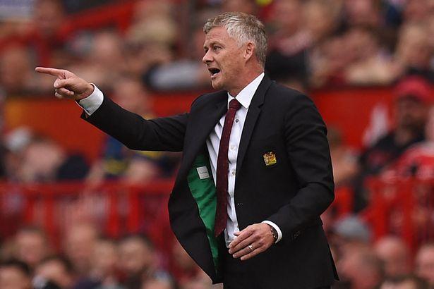 Ole Gunnar Solskjaer responds to Gary Neville criticism and stands firm on team selection - Bóng Đá
