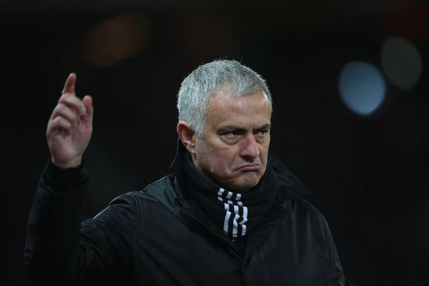 Thua tan tác, Mourinho dùng chiêu tại Man Utd để chê bai sao AS Roma