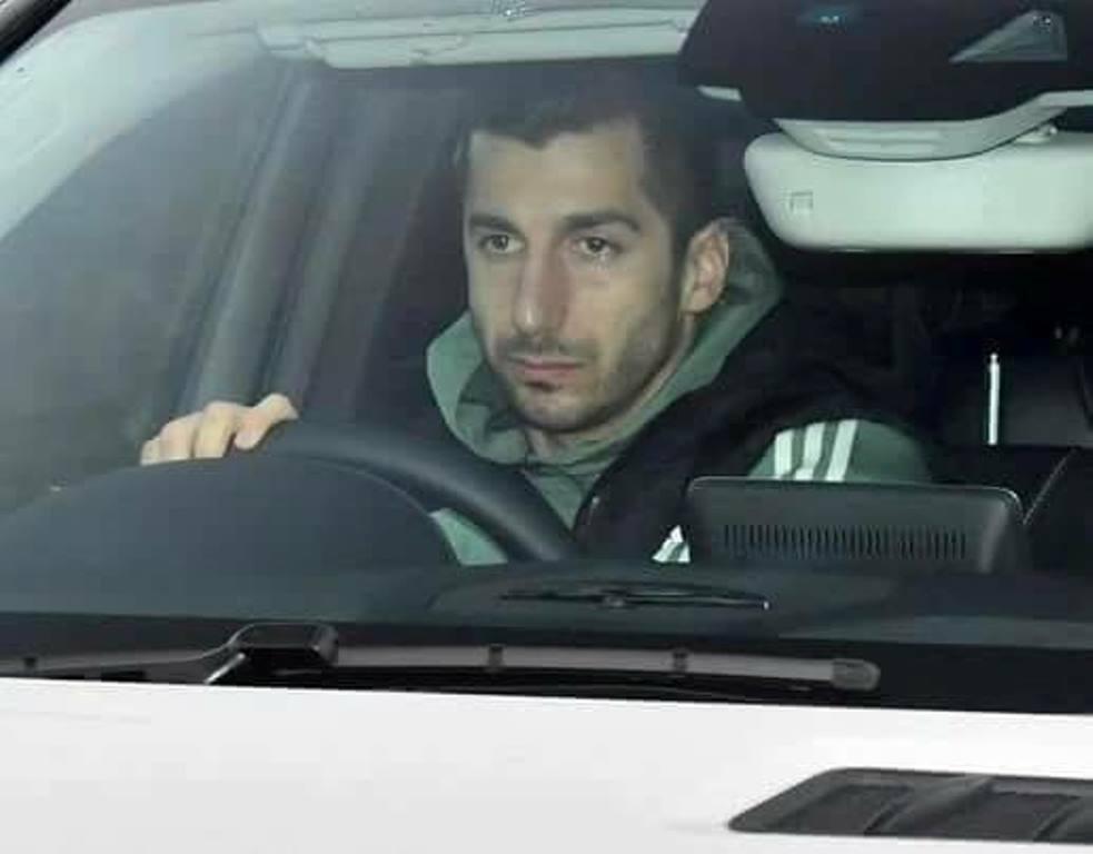 TRỰC TIẾP Alexis Sanchez đến Manchester United: Cầu thủ sắp kiểm tra y tế - Bóng Đá