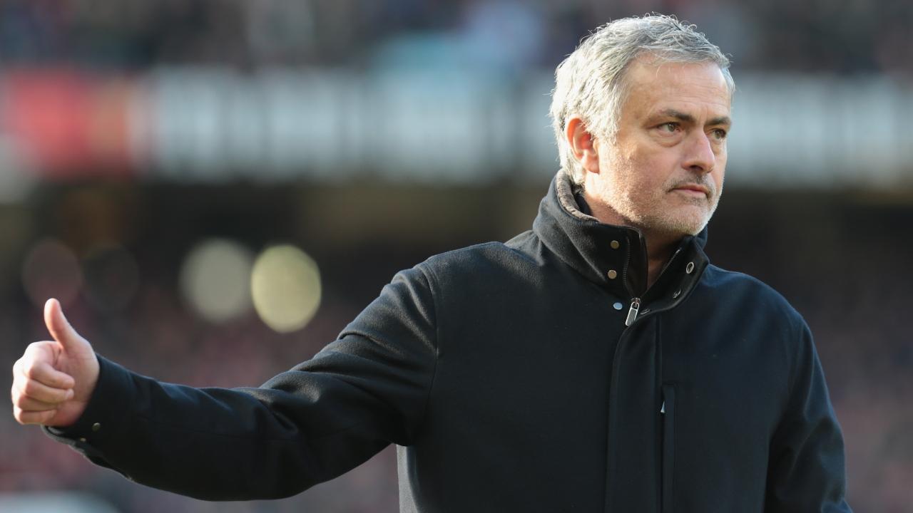 HLV Mourinho: Chelsea hay, nhưng Man Utd còn hay hơn - Bóng Đá
