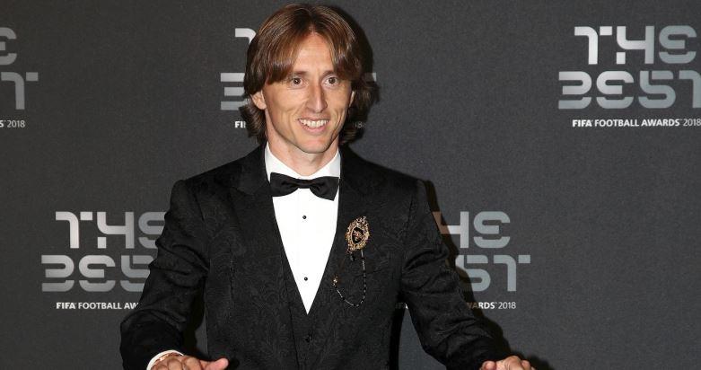 Vượt mặt Ronaldo, Luka Modric giành giải Cầu thủ xuất sắc nhất FIFA - Bóng Đá
