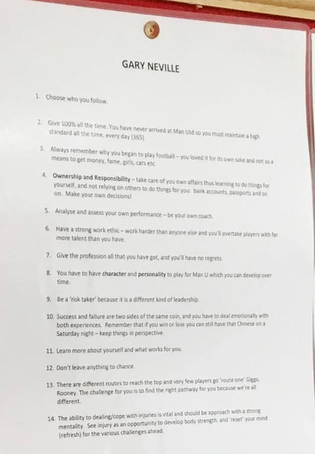 14 lời khuyên vàng ngọc của Nevillo được treo ở học viện Man Utd - Bóng Đá
