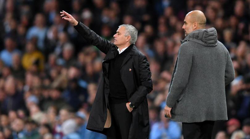 Maradona so sánh Mourinho với Pep - Bóng Đá