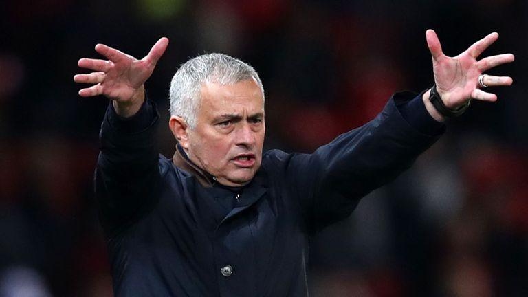 Ferdinand Mourinho chưa biết được đội hình mạnh nhất - Bóng Đá