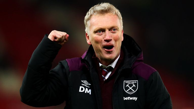 David Moyes poised for Everton or West Ham with Marco Silva and Manuel Pellegrini in trouble - Bóng Đá