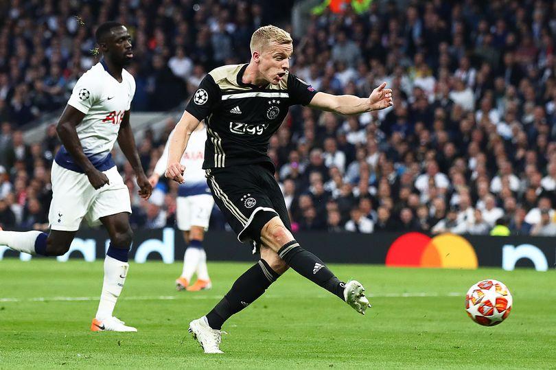Donny van de Beek transfer claim should offer Arsenal and Tottenham hope amid Man United links - Bóng Đá