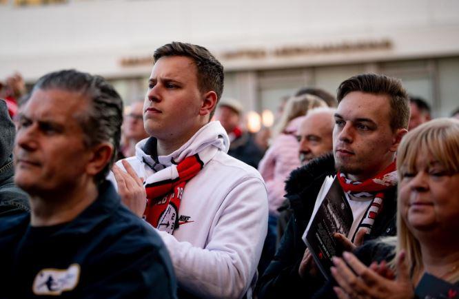 Man Utd tưởng niệm thảm họa Munich - Ảnh - Bóng Đá