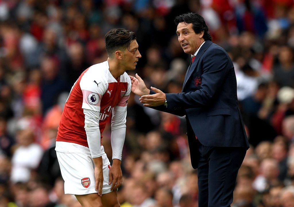 Former Arsenal coach Unai Emery speaks out on Ozil relationship breakdown: 'I tried with all my might to help' - Bóng Đá