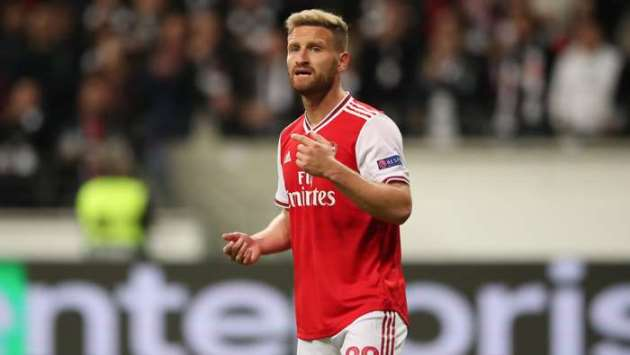 'He knows my opinion' - Arteta hints he wants new Arsenal deal for Mustafi - Bóng Đá