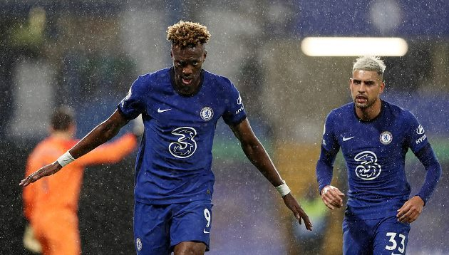 Gary Neville compares Tammy Abraham to Liverpool star after Chelsea's win over West Ham - Bóng Đá