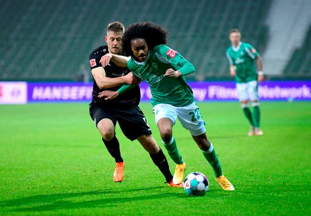 Bremen chief dismisses rumours United unhappy with Tahith Chong - Bóng Đá
