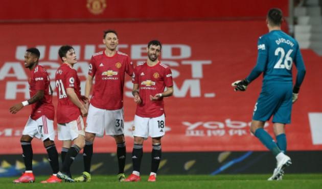 Paul Scholes urges Manchester United to sign a 'dominant' centre-back to become Premier League title - Bóng Đá