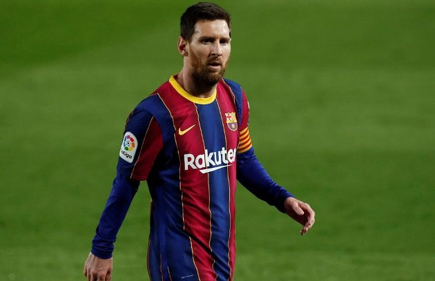 Barcelona's Lionel Messi showed his class when Elche goalkeeper asked for his jersey - Bóng Đá