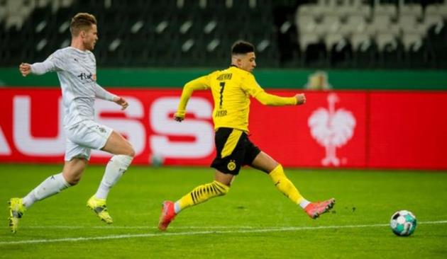 Jadon Sancho scored the only goal of the game as Borussia Dortmund beat Borussia Moenchengladbach  - Bóng Đá