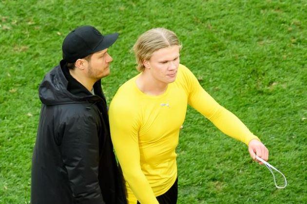 Erling Haaland storms down tunnel as Borussia Dortmund suffer Champions League blow - Bóng Đá