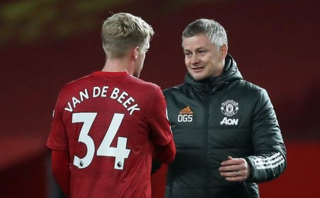 Ole Gunnar Solskjaer offers Donny van de Beek new hope of kickstarting Man Utd career - Bóng Đá