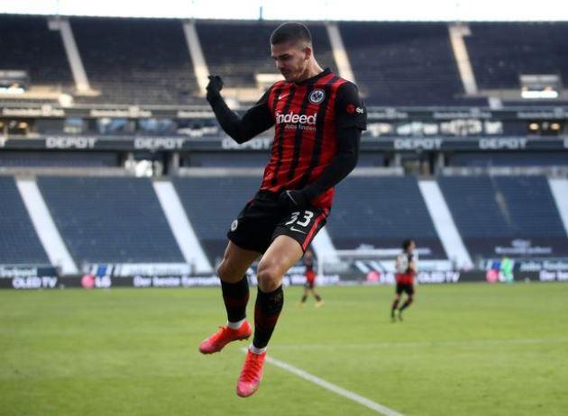 Six strikers Man Utd could sign this summer to replace wantaway Edinson Cavani - Bóng Đá