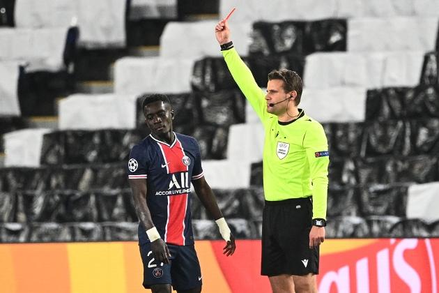 SHOCKER Idrissa Gueye 'could've broken Ilkay Gundogan's ankle' as Stuart Pearce hits out at 'disgraceful challenge' in PSG defeat to Man City - Bóng Đá