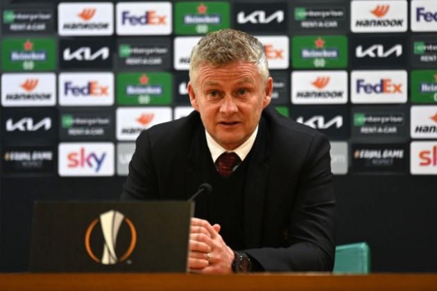 Michael Owen says Ole Gunnar Solskjaer 'doesn't trust' Manchester United star Paul Pogba - Bóng Đá