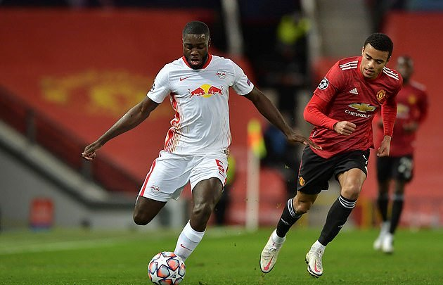 'I wanted to sign for them straight away!' Dayot Upamecano says he came close to signing for Man United  - Bóng Đá