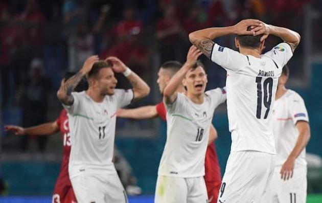 TRỰC TIẾP Thổ Nhĩ Kỳ 0-0 Ý (H2): Tử thủ - Bóng Đá