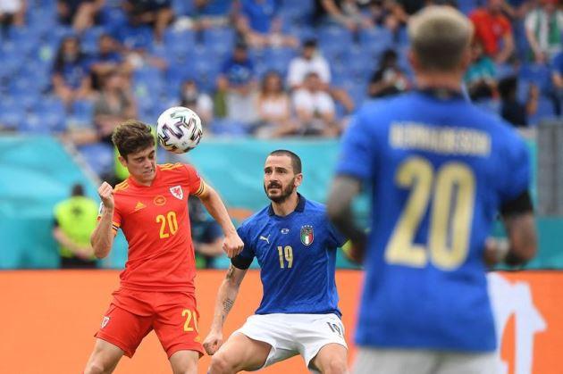Italy's Giorgio Chiellini reveals he enjoys watching Man United's Daniel James - Bóng Đá