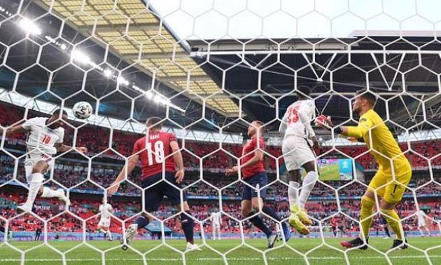 TRỰC TIẾP CH Czech 0-1 Anh (H1): Sterling ghi bàn - Bóng Đá
