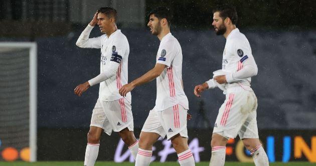 Pundit urges Man Utd to slam brakes on, warning of grave £50m transfer mistake Nicol Varane - Bóng Đá
