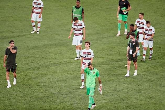 Fernando Santos bemoans 'unfair result' as Portugal knocked out of Euros by Belgium - Bóng Đá