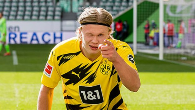 Erling Haaland 'expects to complete sensational Chelsea move this summer... but agent Mino Raiola wants get-out clause inserted in Borussia Dortmund star's contract  - Bóng Đá