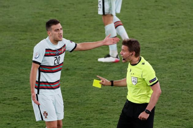 Kieran Trippier hay Diogo Dalot? Câu trả lời dễ dàng cho Man Utd